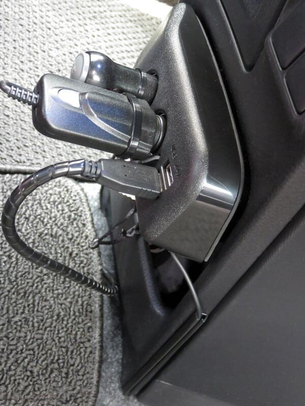 愛車トヨタノア80系のリアに格安ドライブレコーダーを取り付ける