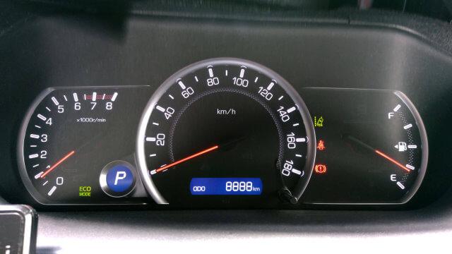 愛車トヨタノア80系の走行距離が8,888kmになりました!
