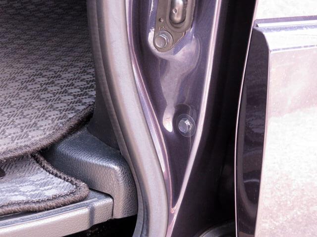 愛車トヨタノア80系の新たなスライドドア異音発生の対策を行う