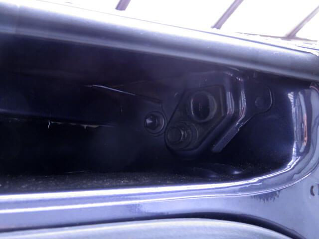 愛車トヨタノア80系のスライドドア異音対策のチューブを変更する