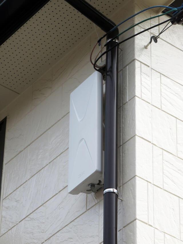 分配器の交換とDXアンテナの地デジ平面アンテナを設置する!